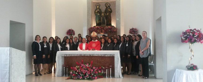 Las Catequistas Sopeña preparan a un centenar de jóvenes en el Sacramento de la Confirmación
